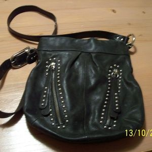 B MAKOWSKY VINTAGE BLACK LEATHER HANDBAG STUDS